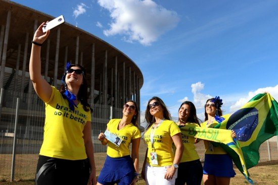 Brazilian women use social media to travel together to Russia for World Cup