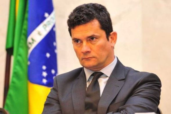 Judge Sergio Moro to become Bolsonaro's minister of justice